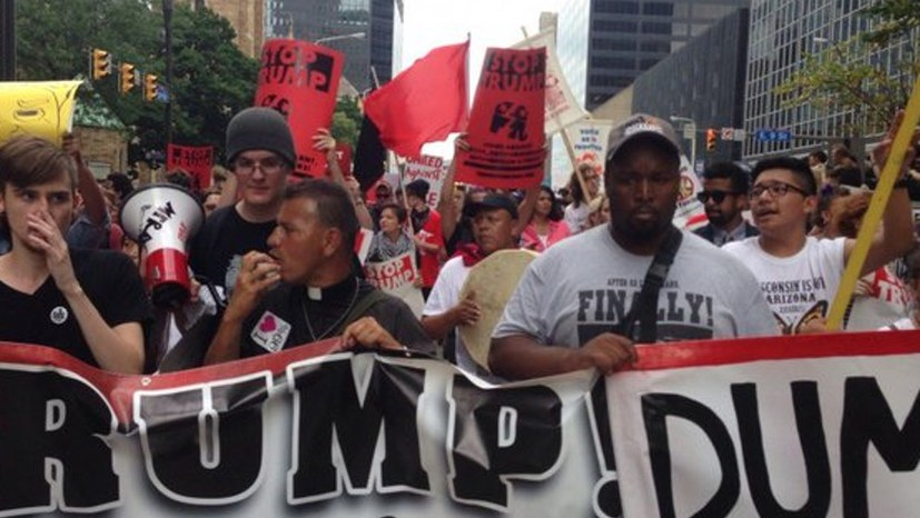 """""""Trump-Unterstützer stürmen das US-Kapitol; wir müssen die Rassisten und Reaktionäre besiegen"""""""