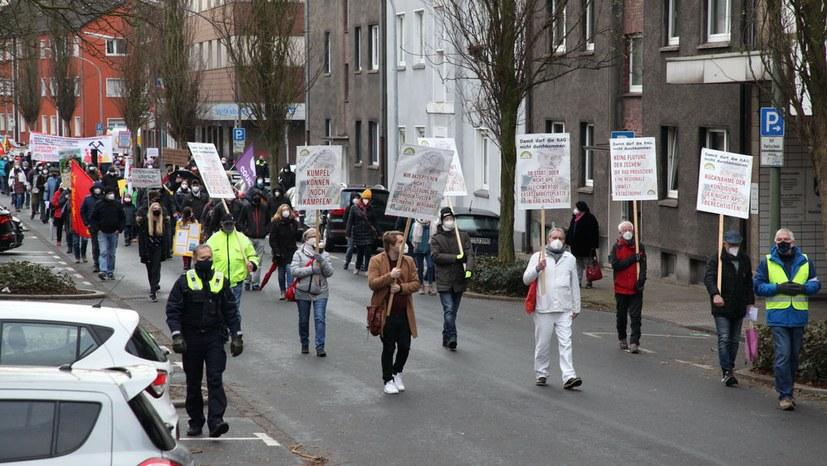 Solidarität unter Arbeitern ja – aber nicht mit den Kapitalisten