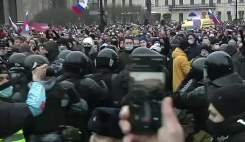 Massenproteste richten sich gegen Putin