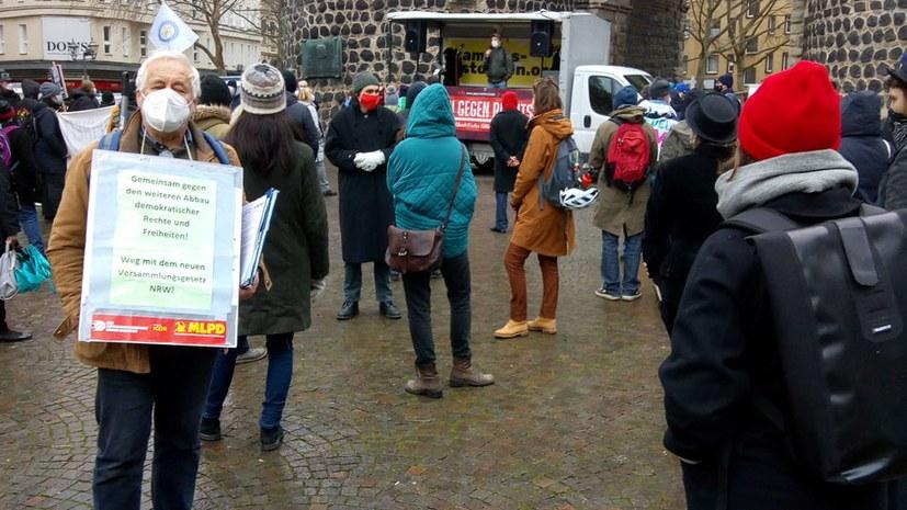 Erste Proteste gegen Entwurf des NRW-Landesversammlungsgesetzes