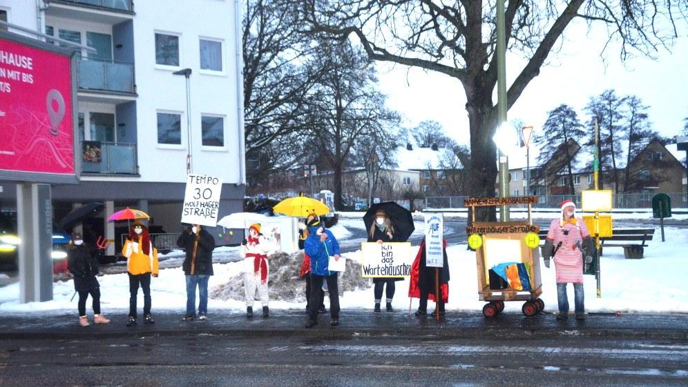 Kassel: Mini-Rosenmontagsumzug von AUF trotzt Corona