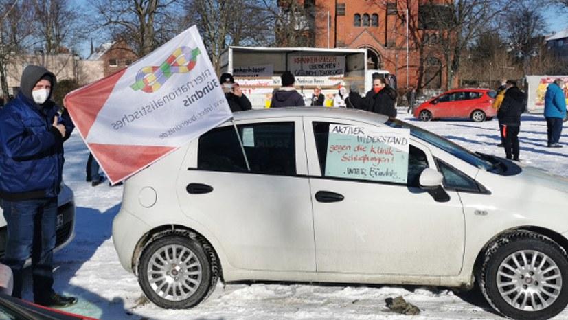 Närrischer Auto-Korso gegen Krankenhaus-Schließungen