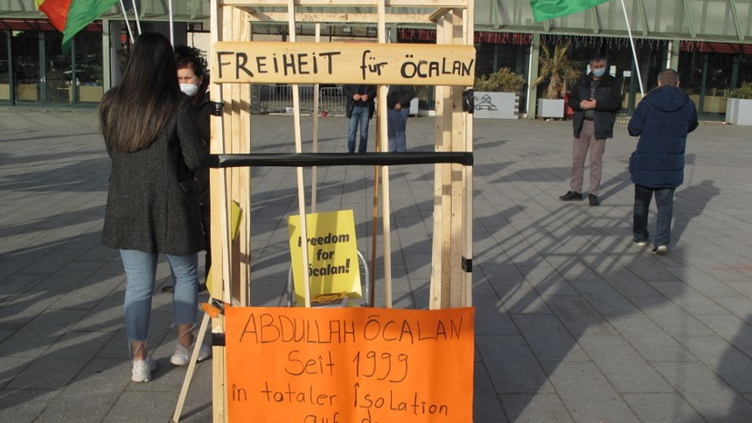Freiheit-für-Öcalan-Bus kam nach Mannheim