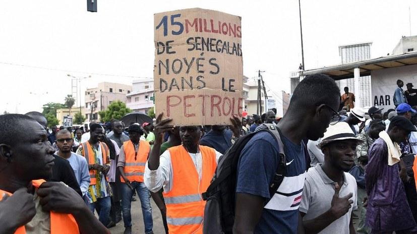 Massenproteste gegen Korruption und Neokolonialismus