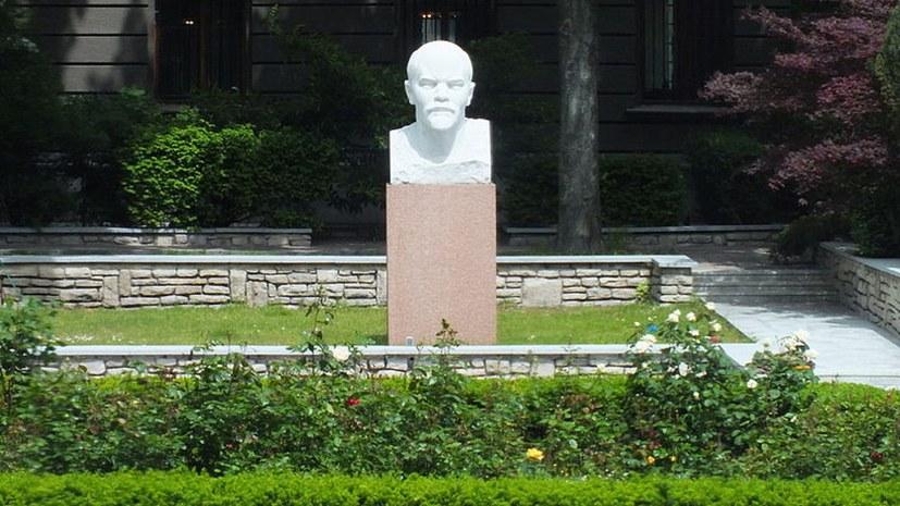 Lenin-Büste und Gedenksteine kommen später