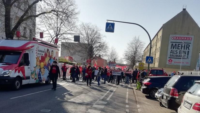 IG-Metall-Warnstreik für die Angleichung/Reduzierung der Arbeitszeit in Ostdeutschland