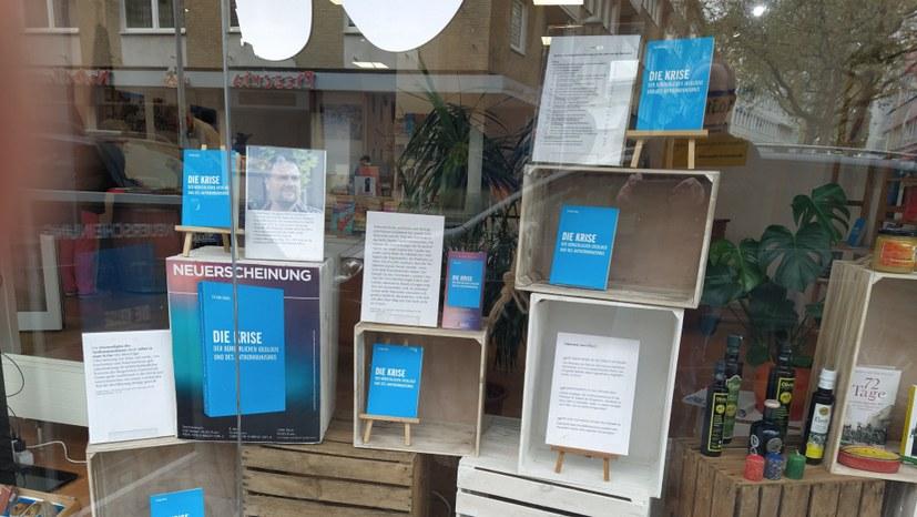 Buchhandlung People to People mit Neuerscheinung wieder eröffnet