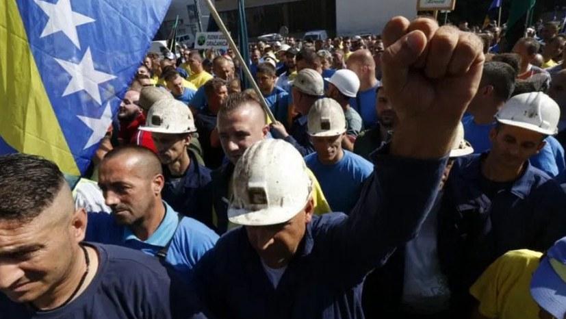 Sarajevo / Bosnien: Bergarbeiter auf der Straße