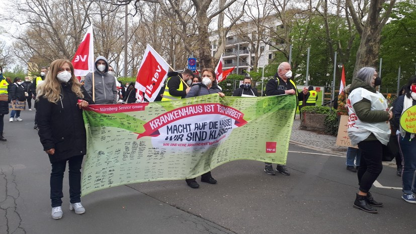 Warnstreik der Beschäftigten der Service GmbH am Klinikum Nord Nürnberg