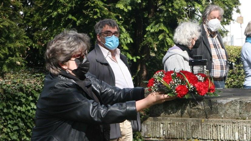 Albstädter Bürgerinnen und Bürger gedenken 164 sowjetischer und polnischer Zwangsarbeiter
