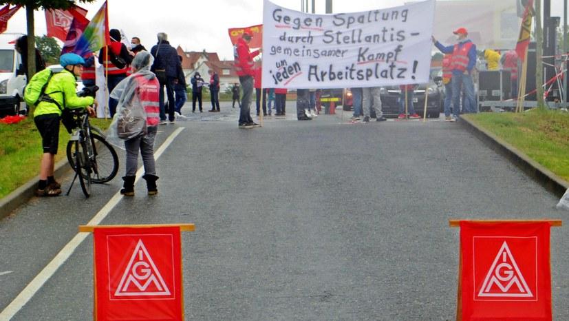 Aktionstag: Kundgebung bei Opel – Himmel grau, Stimmung heiter!