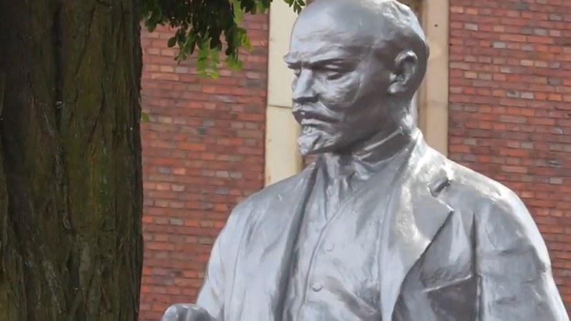 """""""Lenin bleibt in Gelsenkirchen nicht alleine – Marx-Statue wirft ihre Schatten voraus ..."""""""