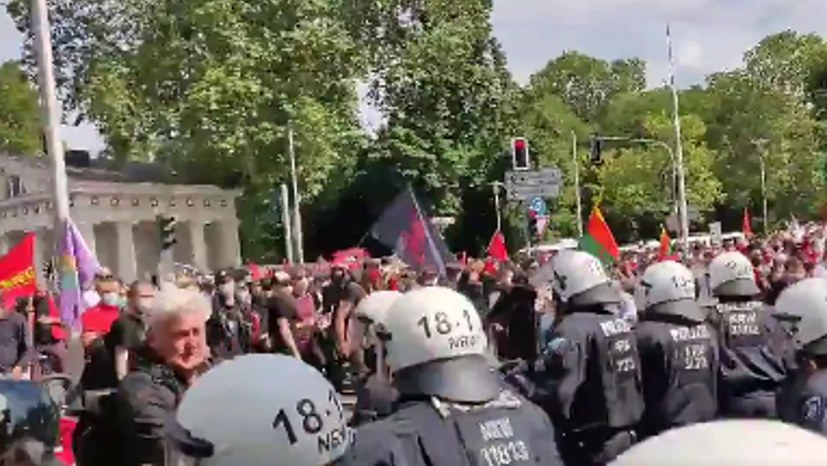 Videos dokumentieren die Polizeigewalt
