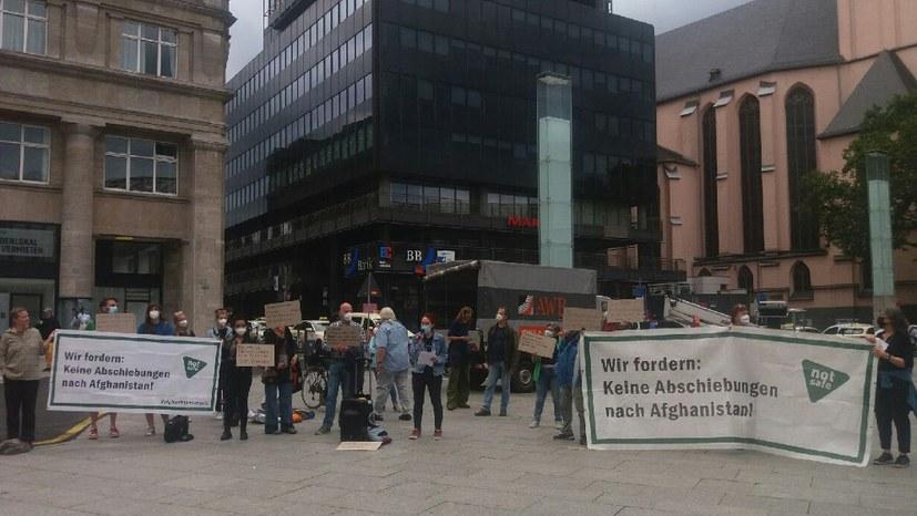 "Protestaktion ""Afghanistan Not safe"" - Empörung über Fall Alassa Mfouapon"