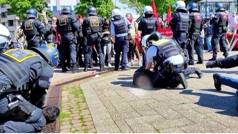 Brutaler Polizeiangriff auf Engels-Demonstration