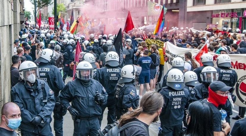Generalangriff auf das Versammlungsrecht durch die CDU/FDP-Krisenregierung!