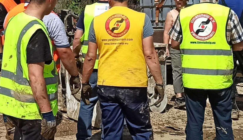 Umweltgewerkschaft: Deutsche und syrische Helfer Seite an Seite