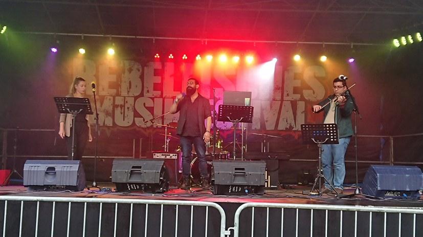 Internationalismus on stage!