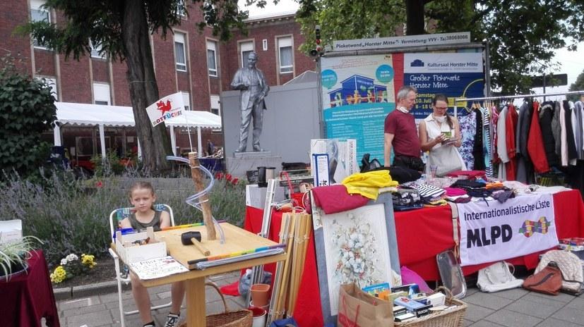 Erste Internationale Kunsthandwerksmesse von People to People am 9. Oktober