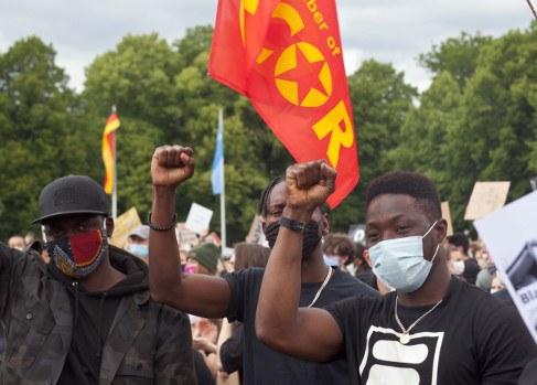 Weltweite Rebellion gegen Rassismus, Faschismus und Antikommunismus