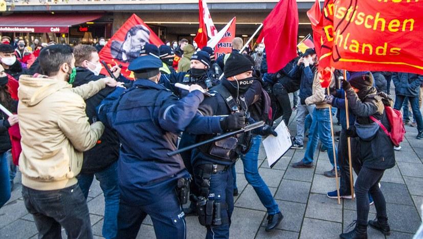05 201129 Demo 200. Geburtstag Engels-09151.jpg