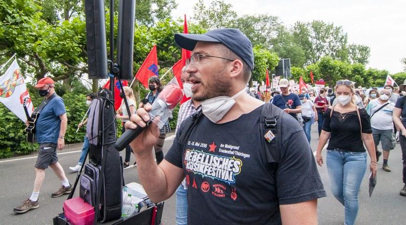 11 210626 Peter Roemmele am Offenen Mikrofon Hg-09568.jpg