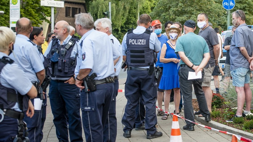 06 Polizeischikane IMG_3206_v1.jpg