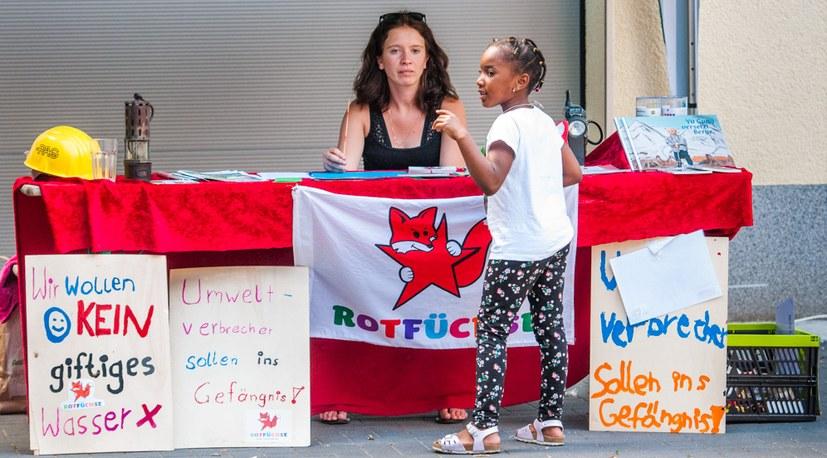 12 Sommerfest Kinderprogramm mit den Rotfüchsen Hg 06933.jpg