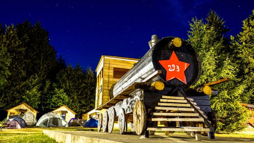 23 Nachtstimmung mit der Lokomotive 293.jpg
