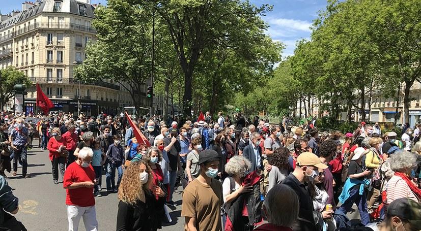 Demo durch die Straßen von Paris