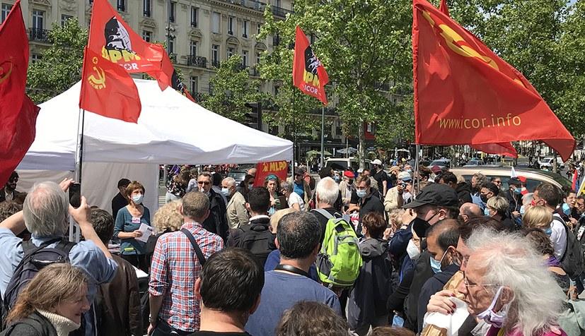 Bunte Menschenmenge am Stand der ICOR