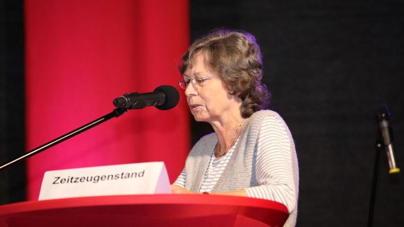 """Regina Ehrensperger spricht zur Rolle der Zeitung """"Vortrieb"""""""