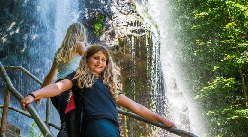 04 190723 Sommercamp Besuch Wasserfall Hg5002.jpg
