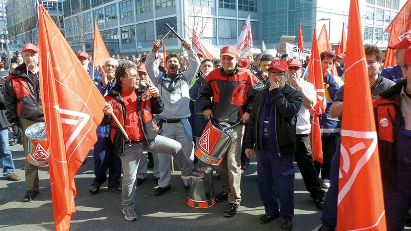 Metalltarifrunde: Kampfbereit für höhere Löhne und kürzere Arbeitszeit – im Osten wie im Westen