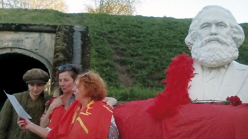 Ein Denkmal für Karl Marx auf den Bastionen von Kronstadt