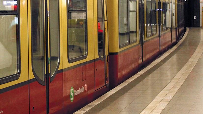 Berliner Senat privatisiert S-Bahn
