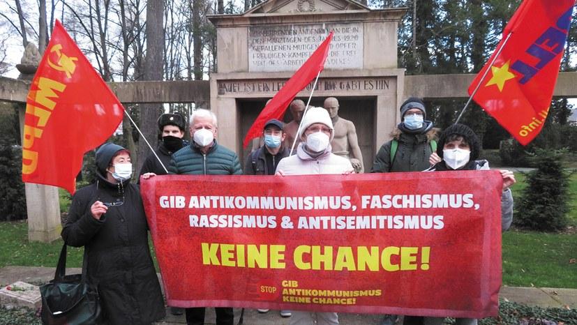 """""""Gib Antikommunismus keine Chance!"""""""